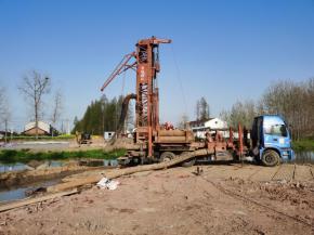 潜江城投恒畅公司小龙虾产业园-东干渠大桥及园区路西段项目正式开工
